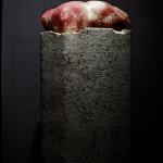 Ame?lia Toledo, Impulso (se?r ie), Bloco de pedra polida e semi polida sobre coluna de concreto, 1999 - 2017 A (1)